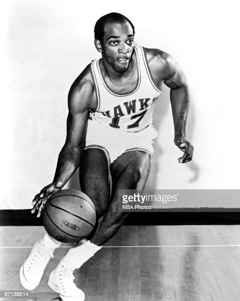 Joe Caldwell of the Atlanta Hawks poses for an action portrait circa 1968 in Atlanta Georgia NOTE TO USER User expressly acknowledges and agrees that...