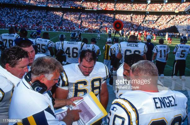 Joe Cocozzo, C Greg Engel and other players conversing with Offensive Line Coach Carl Mauck. San Francisco 49ers 17 vs San Diego Chargers 6 at Jack...