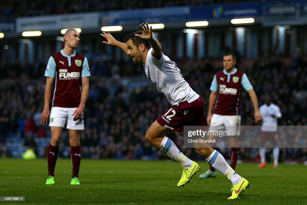 Burnley v Aston Villa - Premier League : News Photo