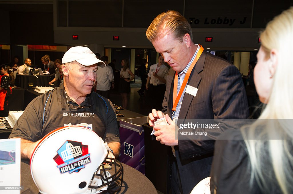 Joe DeLamielleure speaks to a fan during the 2013 Taste of the NFL at the Ernest N. Morial Convention Center on February 2, 2013 in New Orleans, Louisiana.