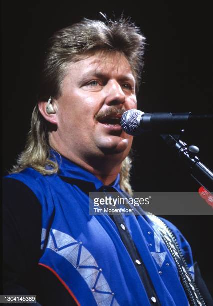Joe Diffie performs at Shoreline Amphitheatre on July 30, 1994 in Mountain View, California.