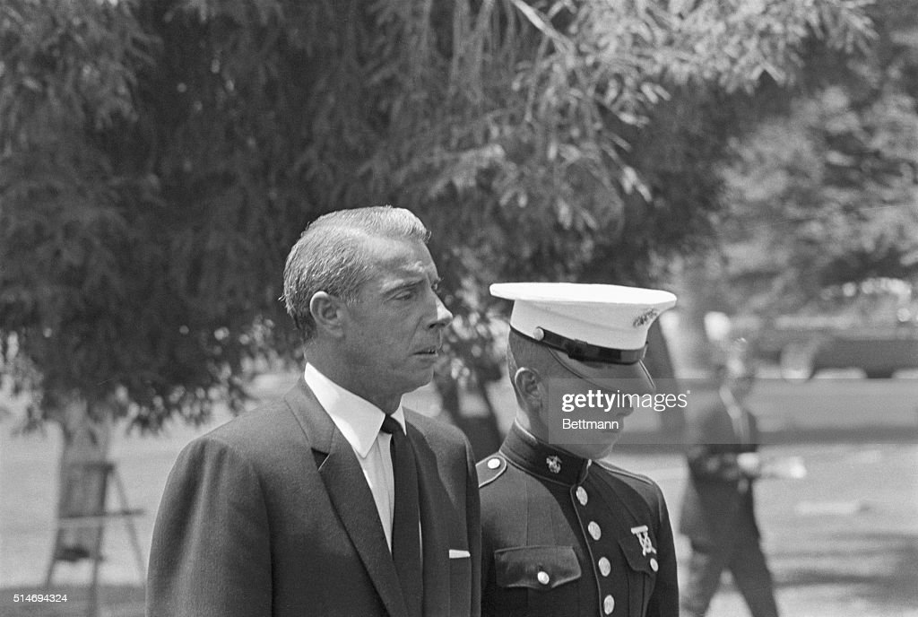 Joe DiMaggio at Marilyn Monroe's funeral. News Photo ...