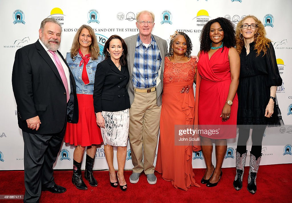 Joe Edmiston, Linda Parks, Patricia Heaton, Ed Begley Jr., Mayisha Akbar, Mayor Aja Brown and Jami Morse Heidegger attend Compton Jr. Posse 7th annual fundraiser gala at The Los Angeles Equestrian Center on May 17, 2014 in Burbank, California.