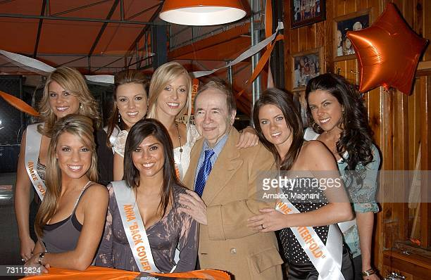 Joe Franklin poses with Aimee Chuhaloff Lilly Mikleu Beverly Mullins Anna Burns Breanne Ashley and Danielle Schatz during the 2007 Hooters National...