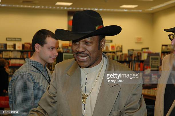 Joe Frazier during Joe Frazier Signs His Book 'Box Like The Pros' at BN in Edison New Jersey March 25 2006 at Barnes and Noble in Edison New Jersey...