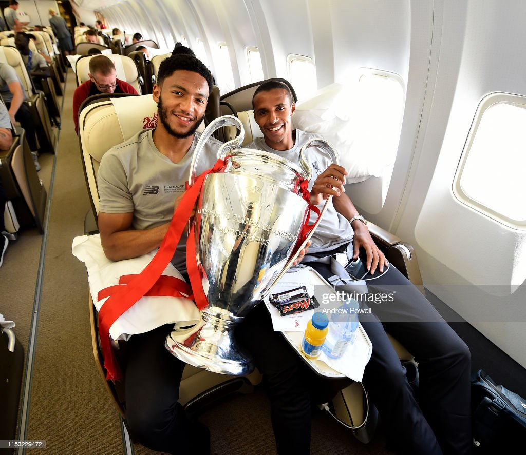 Liverpool Players Fly Home After Winning UEFA Champions League : News Photo
