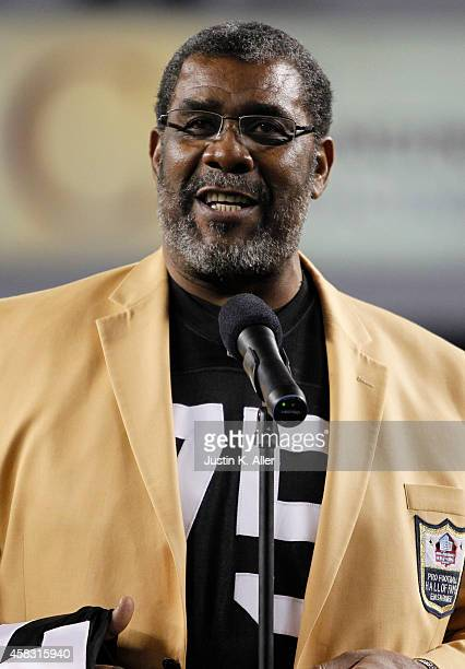 Joe Greene addresses the crowd after having his retired from the Pittsburgh Steelers organization on November 2 2014 against the Baltimore Ravens at...