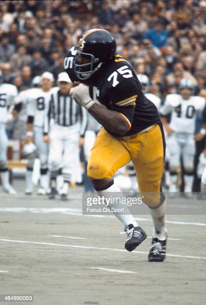 Joe Greene of the Pittsburgh Steelers in action against the Oakland Raiders September 17 1972 during an NFL football game circa 1972 at Three Rivers...