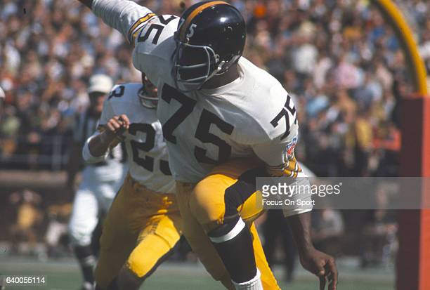 Joe Greene of the Pittsburgh Steelers in action during an NFL football game circa 1969 Greene played for the Steelers from 196981