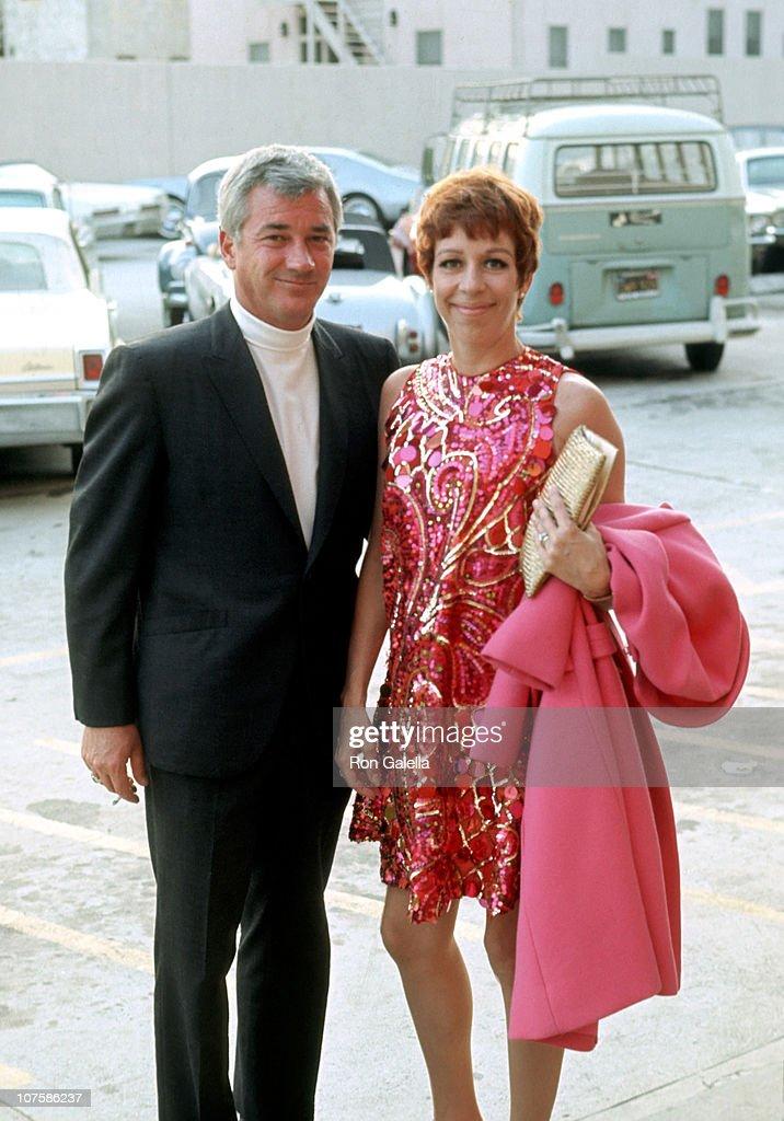 Carol Burnett Sighting Outside Merv Griffin Studios - January 1, 1968 : News Photo