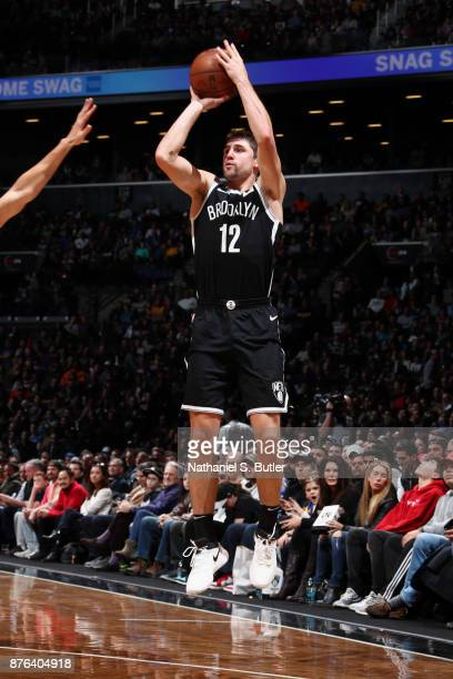 Joe Harris of the Brooklyn Nets goes to the basket against the Golden State Warriors on November 19 2017 at Barclays Center in Brooklyn New York NOTE...