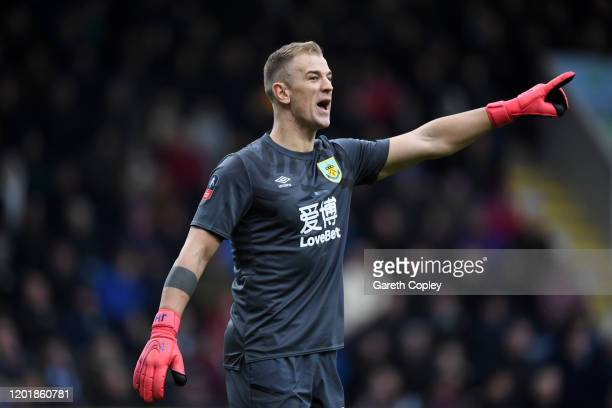 Joe Hart of Burnley gives his team instructions during the FA Cup Fourth Round match between Burnley FC and Norwich City at Turf Moor on January 25...