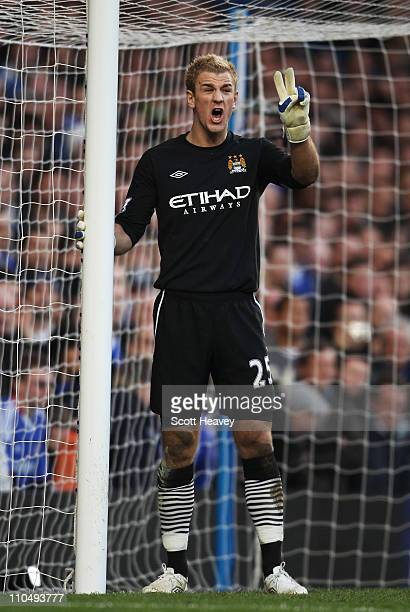 Joe Hart of Manchester City organizes his defence during the Barclays Premier League match between Chelsea and Manchester City at Stamford Bridge on...