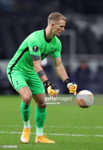 Joe Hart of Tottenham Hotspur prepares to kik during the UEFA Europa League Group J stage match between Tottenham Hotspur and LASK at Tottenham...