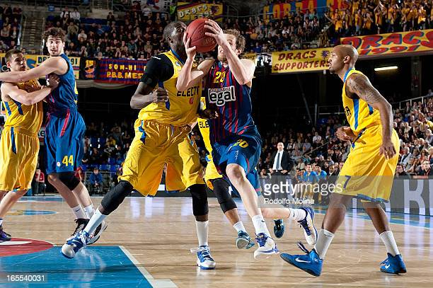 Joe Ingles #20 of FC Barcelona Regal in action during the 20122013 Turkish Airlines Euroleague Top 16 Date 14 between FC Barcelona Regal v Maccabi...
