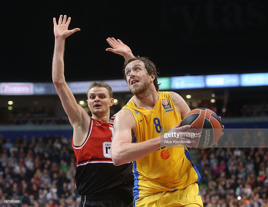 Joe Ingles, #8 of Maccabi Electra Tel Aviv in action during the 2013-2014 Turkish Airlines Euroleague Regular Season Date 4 game between Lietuvos Rytas Vilnius v Maccabi Electra Tel Aviv at Siemens Arena on November 7, 2013 in Vilnius, Lithuania.