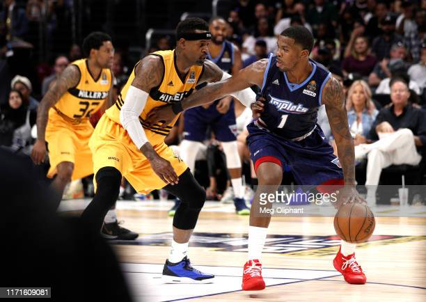 Joe Johnson of the Triplets is defended by Stephen Jackson of Killer 3s during the BIG3 Championship game at Staples Center on September 01, 2019 in...