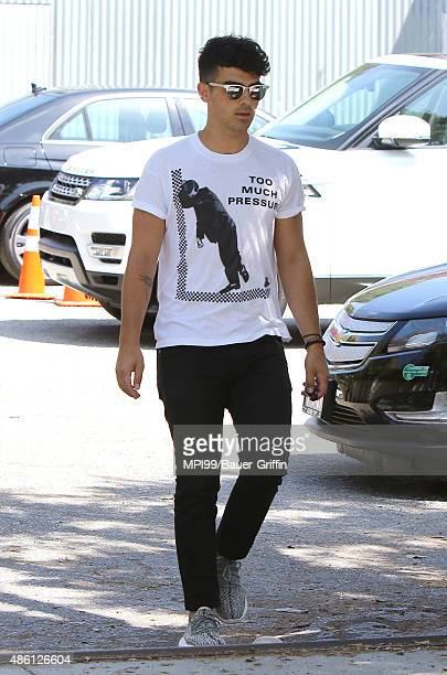8eae41a10b6c2 Joe Jonas arriving for a lunch on August 31 2015 in Los Angeles California