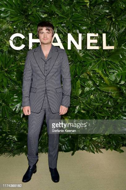 Joe Keery attends Chanel Dinner Celebrating Gabrielle Chanel Essence With Margot Robbie on September 12, 2019 in Los Angeles, California.