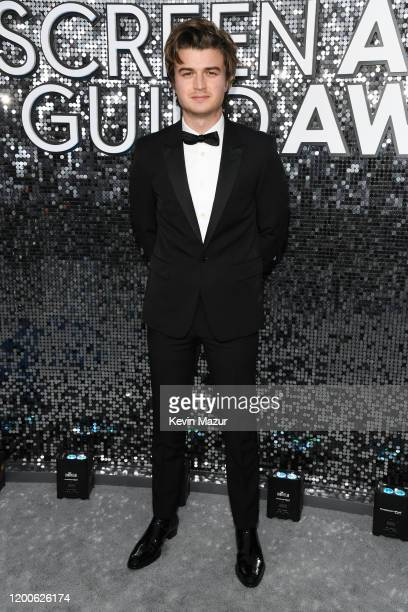 Joe Keery attends the 26th Annual Screen ActorsGuild Awards at The Shrine Auditorium on January 19, 2020 in Los Angeles, California. 721336