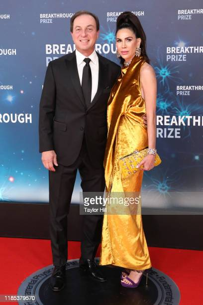 Joe Lacob and Nicole Curran attend the 2020 Breakthrough Prize Ceremony at NASA Ames Research Center on November 03, 2019 in Mountain View,...