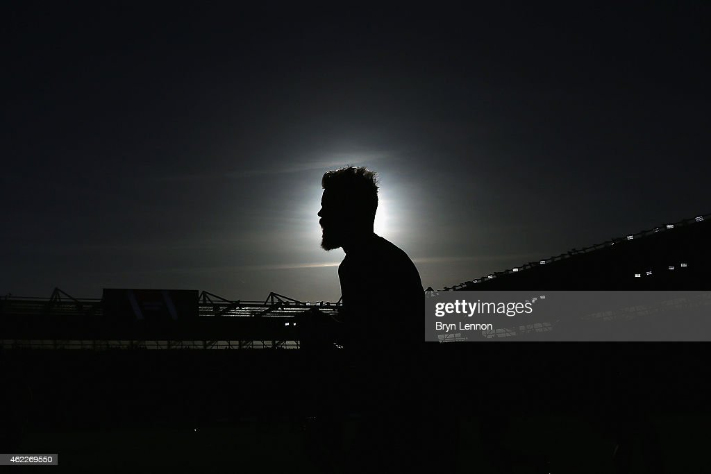 Joe Ledley of Crystal Palace warms up ahead of the FA Cup Fourth Round match between Southampton and Crystal Palace at St Mary's Stadium on January 24, 2015 in Southampton, England.