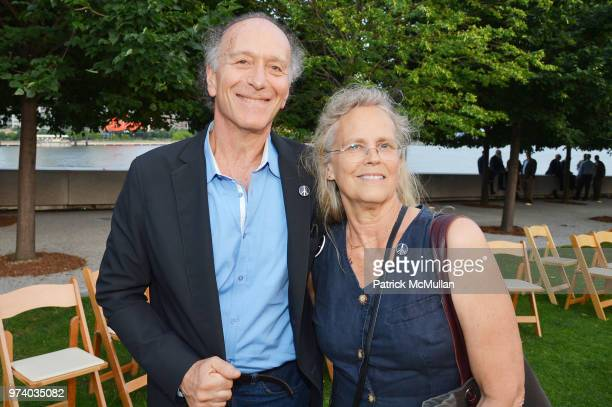 Joe Levine and Jane Cyphers attend the Franklin D Roosevelt Four Freedoms Park's gala honoring Founder Ambassador William J Vanden Heuvel at Franklin...