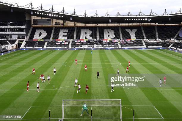 Joe Lolley of Nottingham Forest scores his sides first goal during the Sky Bet Championship match between Derby County and Nottingham Forest at Pride...