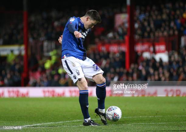 Joe Lolley of Nottingham Forest scores his team's first goal during the Sky Bet Championship match between Brentford FC and Nottingham Forest at...