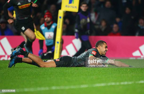 Joe Marchant of Harlequins scores the opening try during the Aviva Premiership Big Game 9 match between Harlequins and Gloucester Rugby at Twickenham...
