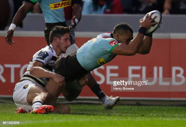 Joe Marchant of Harlequins scores their second try during the European Rugby Champions Cup match between Harlequins and La Rochelle at Twickenham...