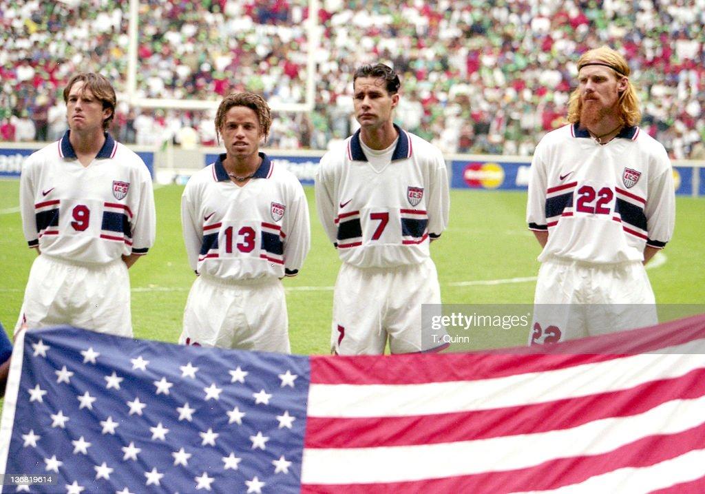 United States vs. Mexico - November 9, 1997 : News Photo