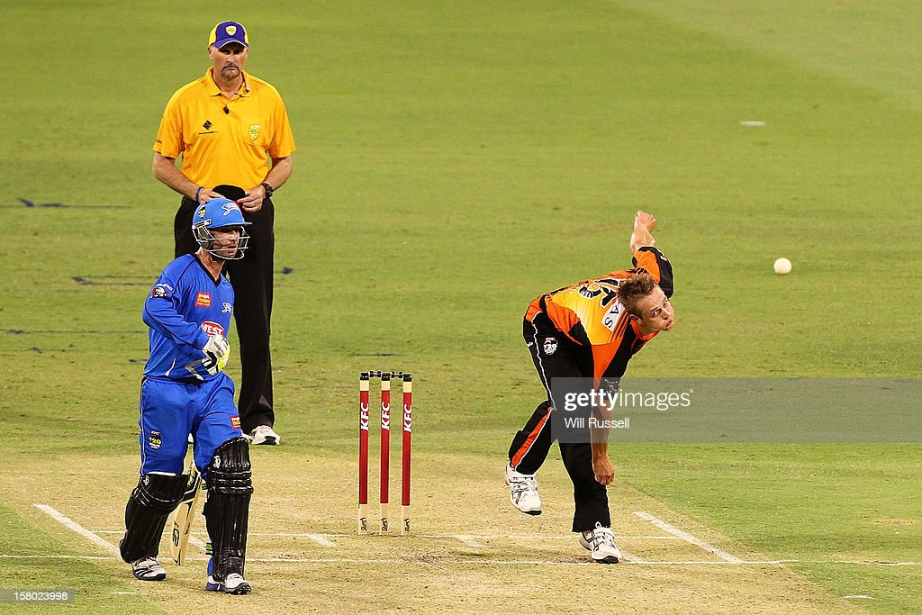 Joe Mennie of the Scorchers bowls during the Big Bash League match between the Perth Scorchers and Adelaide Strikers at WACA on December 9, 2012 in Perth, Australia.