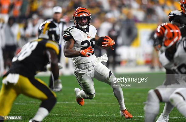 Joe Mixon of the Cincinnati Bengals carries the ball during the third quarter against the Pittsburgh Steelers at Heinz Field on September 30, 2019 in...