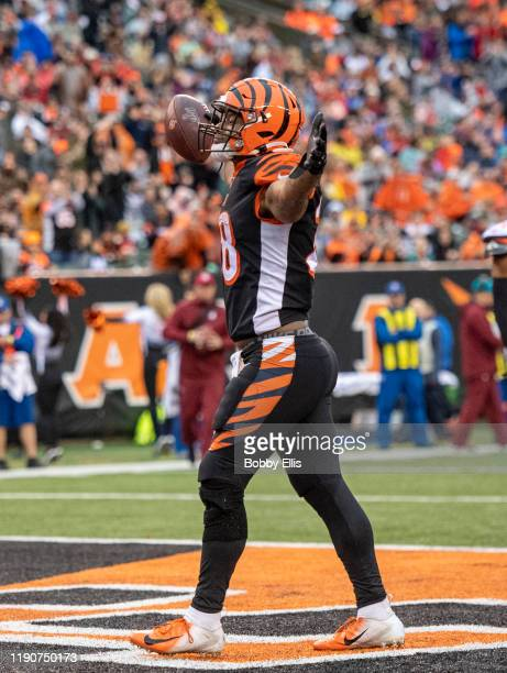 Joe Mixon of the Cincinnati Bengals celebrates after running for a touchdown in the fourth quarter of the game against the Cleveland Browns at Paul...