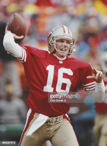 Joe Montana, back up Quarterback for the San Francisco 49ers during the National Football Conference West Divisional Championship game against the...