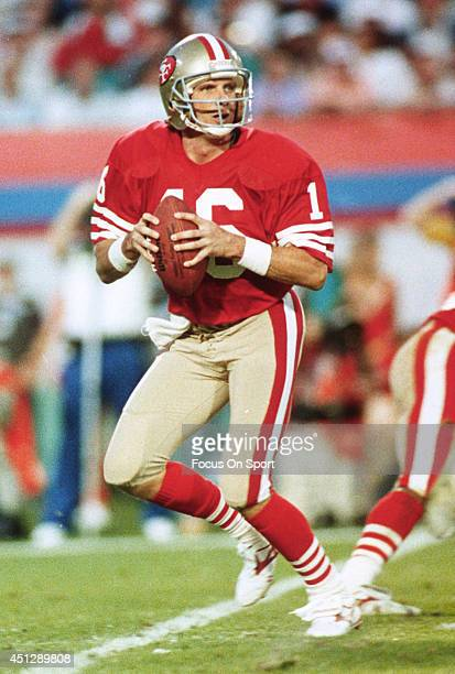 Joe Montana of the San Francisco 49ers drops back to pass against the Cincinnati Bengals during Super Bowl XXIII on January 31 1989 at Joe Robbie...