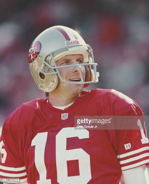 Joe Montana Quarterback of the San Francisco 49ers during their National Football Conference West game on 19 December 1992 at Candlestick Park San...