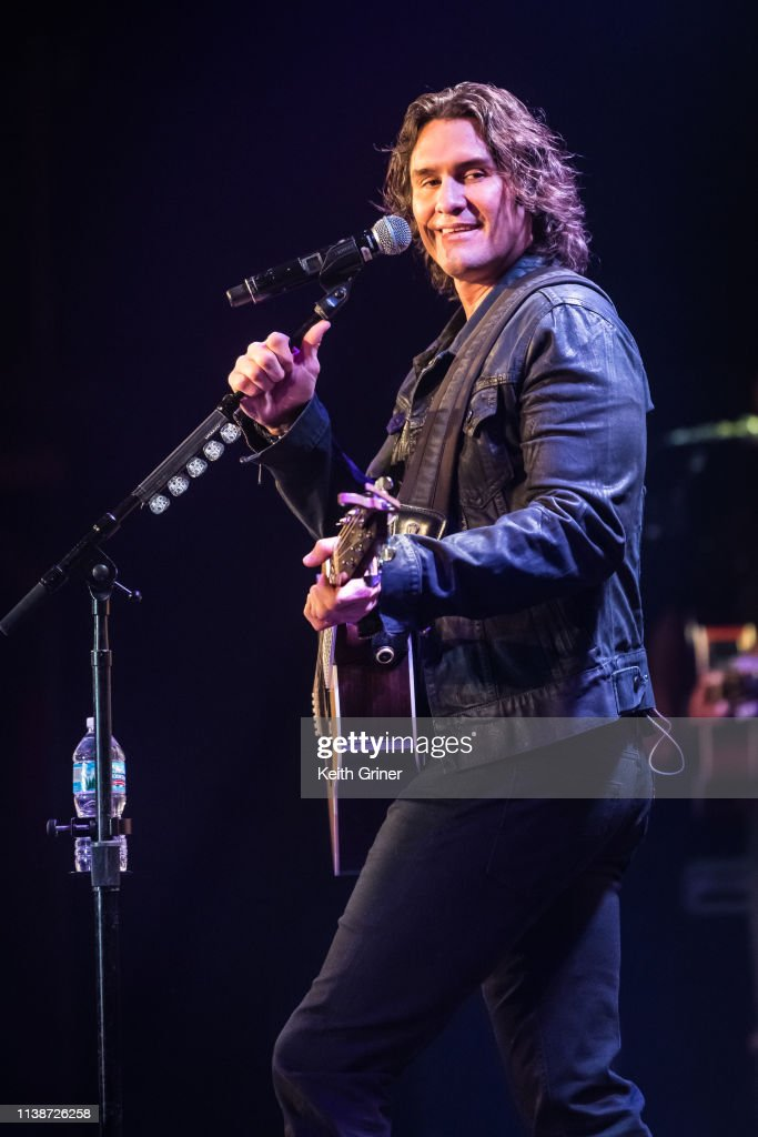 IN: Joe Nichols In Concert - Indianapolis, IN