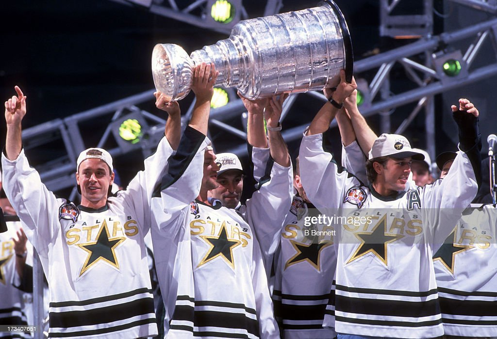 1999 Dallas Stars Stanley Cup Parade : News Photo