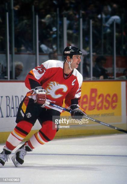 Joe Nieuwendyk of the Calgary Flames skates on the ice during an NHL game against the Mighty Ducks of Anaheim on February 26 1995 at the Arrowhead...