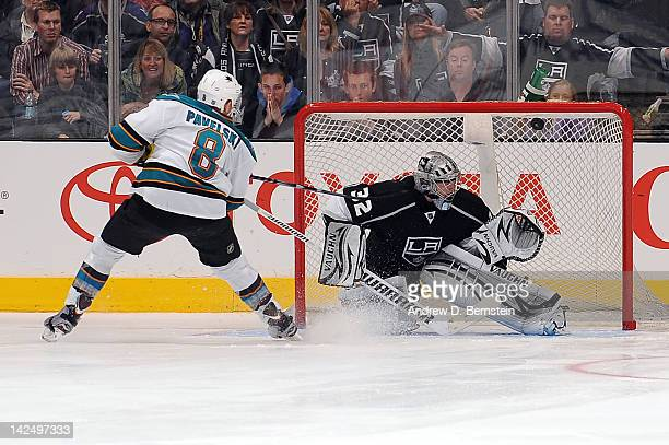 Joe Pavelski of the San Jose Sharks scores the winning goal in the shootout against Jonathan Quick of the Los Angeles Kings at Staples Center on...