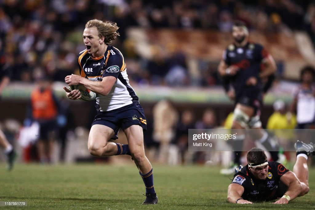 Super Rugby Quarter Final - Brumbies v Sharks : News Photo
