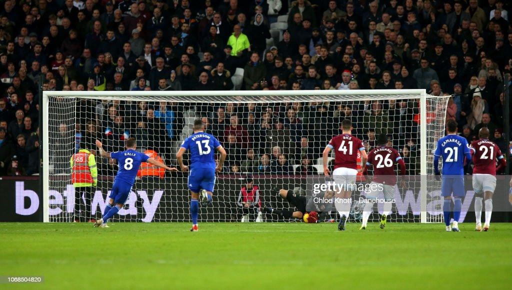 West Ham United v Cardiff City FC - Premier League : News Photo