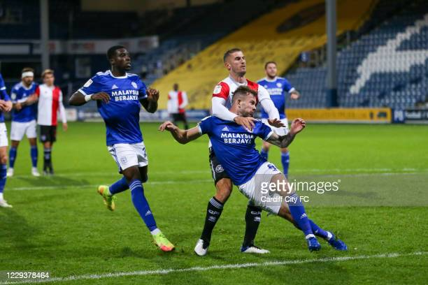 Joe Ralls scores the equalising goal for Cardiff City FC during the Sky Bet Championship match between Queens Park Rangers and Cardiff City at The...