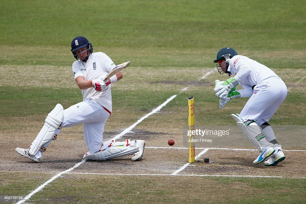 South Africa v England - First Test: Day Four : News Photo