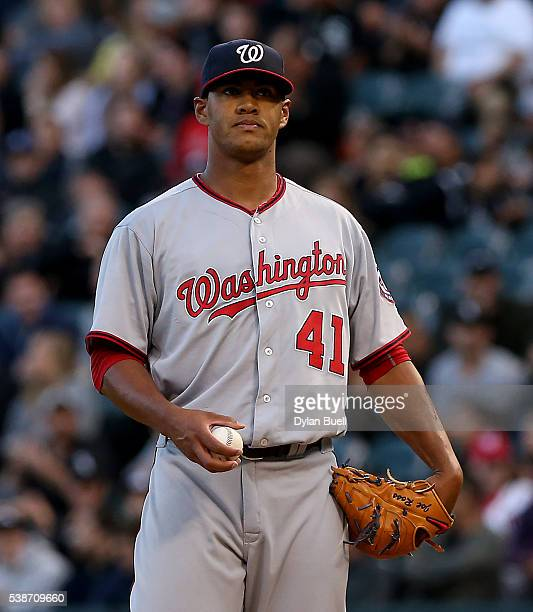 Joe Ross of the Washington Nationals reacts after walking in a run in the first inning against the Chicago White Sox at US Cellular Field on June 7...