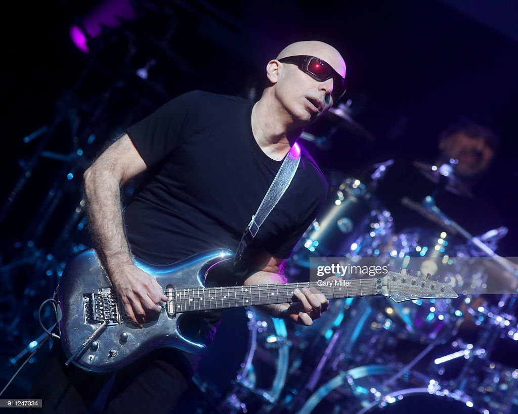 G3: Satriani, Collen And Petrucci Perform At ACL Live : ニュース写真