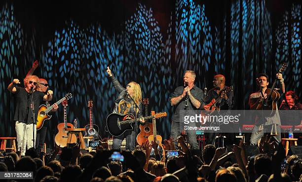 Joe Satriani Sammy Hagar Melissa Etheridge James Hetfield Vic Johnson and John Mayer perform at the 3rd Annual Acoustic4ACure concert a Benefit for...