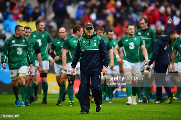 Joe Schmidt the head coach of Ireland looks on prior to kickoff during the RBS Six Nations match between France and Ireland at the Stade de France on...